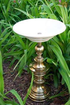 bird bath made out of lamps. I have seen the idea pinned a lot, but this be actually explains how to do it step by step for those of us who want specifics!
