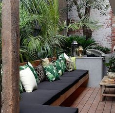 29 marvelous winter garden design for small backyard landscaping ideas 00002 - poserforum Backyard Seating, Outdoor Seating Areas, Small Backyard Landscaping, Garden Seating, Small Patio, Landscaping Ideas, Small Decks, Small Terrace, Small Garden Decking Ideas