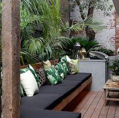 29 marvelous winter garden design for small backyard landscaping ideas 00002 - poserforum Outdoor Decor, Home, Garden Seating, Small Backyard, Terrace Design, Seating Area, Small Deck, Small Courtyards, Outdoor Seating Areas