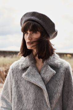 Choose some structure and elegant grey to your new Autumn coat.