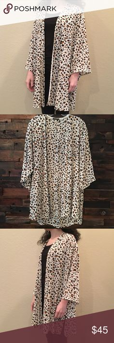 Leopard cardigan New💕🐆 Ivory lightweight cardigan. 100% polyester. 3 Small (size0-4), 2 large (size 10-12) Papermoon Sweaters Cardigans