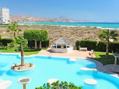 Vakantiehuis met zeer mooi uitzicht op zee in Spanje. Cabo, Outdoor Decor, Home Decor, Interior Design, Home Interior Design, Home Decoration, Decoration Home, Interior Decorating