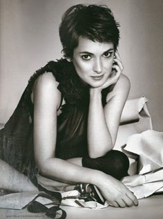 winona ryder....I know she's made some stupid choices but I just have to say, she looks so cute here!