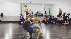Nuestro profe Carlo Vela y María nuestra alumna que se formó en nuestra formación de Danza Urbana. Vaya cracks!