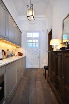 London home...love the door!