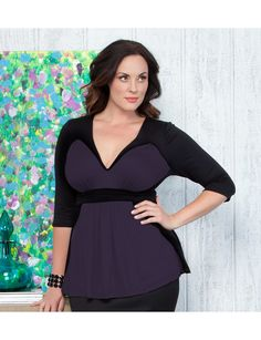 Completely smitten with the Collins Colorblock Top from Kiyonna. Amazing for fall! | #Sonsi #plussize