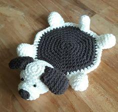 Luty Artes Crochet: Descanso de copos de amigurumi - Ideias para a casa Crochet Cup Cozy, Crochet Home, Crochet Gifts, Cute Crochet, Crochet Coaster Pattern, Crochet Motifs, Crochet Patterns, Diy Crochet Flowers, Crochet Animals