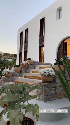 Home Design Decor, Home Room Design, Dream Home Design, Beautiful Places To Visit, Beautiful Homes, Future House, Modern Farmhouse Exterior, Dream House Exterior, House Rooms
