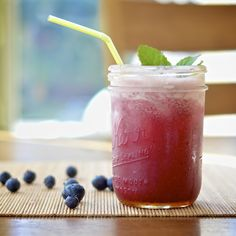 Virtually Homemade: Blueberry Mint Margaritas #summersoiree