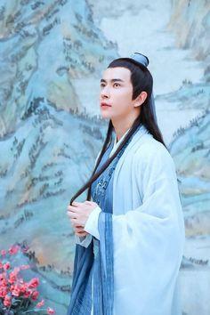 Shadar Kai, Chinese Man, Scarlet Heart, Peach Blossoms, Eternal Love, Love Spells, Asian Actors, Drama Movies, Hanfu