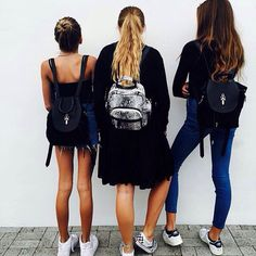 Kaia Gerber and her friends
