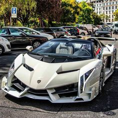 "Lamborghini Veneno Roadster"" Pictures of New 2017 Cars for Almost Every 2017 Car Make and Model, Newcarreleasedate… is… - Cars and motor Luxury Sports Cars, Exotic Sports Cars, Best Luxury Cars, Exotic Cars, Lamborghini Veneno, Carros Lamborghini, Lamborghini Roadster, White Lamborghini, Sports Cars Lamborghini"