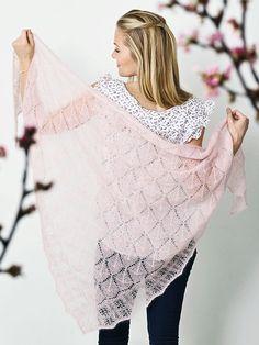 Strikkeopskrift: Fint sjal med hulmønster til foråret