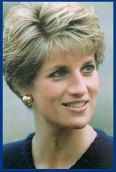 Princess Diana Her hairstyle is a timeless classic Princess Diana Fashion, Princess Diana Pictures, Princess Diana Family, Princes Diana, Royal Princess, Princess Diana Hairstyles, Diana Haircut, Short Hair Cuts, Short Hair Styles