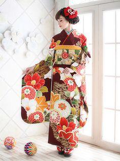 Pin by Anh on 日本語 Yukata Kimono, Kimono Japan, Kimono Jacket, Japanese Kimono, Oriental Fashion, Oriental Dress, Asian Fashion, Traditional Kimono, Traditional Outfits