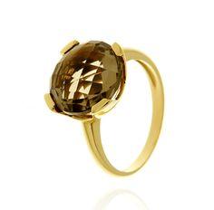 MILANO 12 Ref: 37974 Sortija realizada en oro amarillo. Un cuarzo fumé, engastado por cuatro garras planas, es el centro de la pieza.