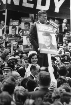 everything-kennedy:  John and Jacqueline Kennedy Campaigning, October 1, 1960