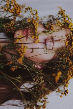 portrait photography in nature through wild flowers for boho bohemian shoot Creative Photography, Photography Poses, Self Portrait Photography, Ideas For Photography, Vintage Photography, Self Portraits, Funeral Photography, Happy Photography, Photography Flowers