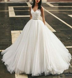 Gorgeous wedding dress - Alice G. Princess Wedding Dresses, Cinderella Dresses, Dream Wedding Dresses, Bridal Dresses, Tulle Ballgown Wedding Dress, Ballroom Wedding Dresses, Cinderella Wedding, Ball Dresses, Ball Gowns