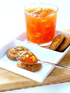 pine nuts and brandy cantaloupe jam Pumpkin Butter, Apple Butter, Jam Recipes, Canning Recipes, European Dishes, Romanian Food, Romanian Recipes, Liqueur, Chutney