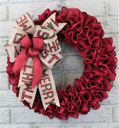 Are you looking for a red burlap Christmas wreath to finish off your rustic Christmas decor? This burlap ruffle wreath should be just what you are looking for! This rustic Christmas wreath would fit nicely with your farmhouse Christmas decor. The red burlap wreath is made of a 5