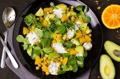 Curry Kikkererwten Salade met Avocado en Sinaasappel - Powered by Guacamole, Chickpea Curry, Chickpea Salad, Tofu, Best Avocado Recipes, Alkaline Breakfast, 7 Day Meal Plan, Meal Prep, Eating Clean