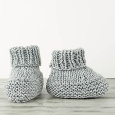 Free knitting pattern for easy Flat Knit Baby Booties.