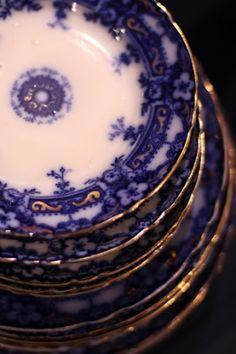Flow blue plates