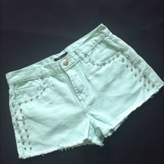 💜 Forever 21  Shorts with Studs S 27 Cute shorts from forever 21. Size 27.  Light green color.  Studs.  Frayed hem. Forever 21 Shorts Jean Shorts