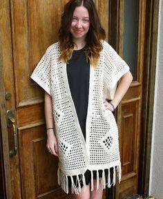 Fuente: http://sanslimitescrochet.blogspot.com.es/2013/10/the-vintage-style-poncho.html