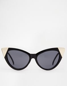 Hollywood eat your heart out! Love the gold tips on these cat eye cuties : http://www.asos.com/ASOS/ASOS-Pointy-Cat-Eye-Sunglasses-With-Metal-Corner-Detail/Prod/pgeproduct.aspx?iid=4697389&affid=14242&channelref=social+campaigns