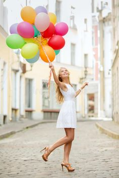 Balloons Photography, Birthday Photography, Photography Poses, Cute Birthday Pictures, Its A Girl Balloons, Colourful Balloons, Anniversary Photos, Birthday Woman, Foto Pose
