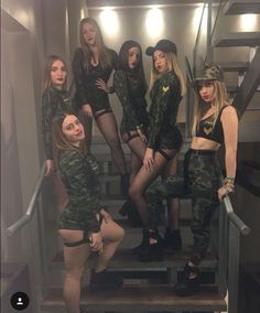 Easy DIY Halloween Costumes for Teens – Army Girl Karneval Army Halloween Costumes, Scary Costumes, Last Minute Halloween Costumes, Couple Halloween, Halloween Outfits, Halloween 2018, Easy Halloween, Halloween Makeup, Army Girl Costumes