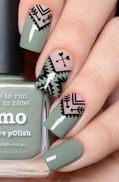 Geometric Nail Art Ideas - New Year Nails The whole world of fashion, and so does the manicure world is full of very beautiful, original and creative Nagellack Design, Geometric Nail Art, Aztec Nail Art, Tribal Nails, Geometric Box, Super Nails, Nagel Gel, Stylish Nails, Beautiful Nail Art