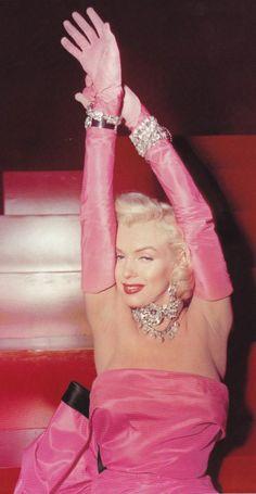 """Marilyn Monroe as Lorelei sings """"Diamonds Are A Girl's Best Friend"""" - """"Gentlemen Prefer Blondes"""", 1953. °"""