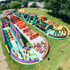 THE BEAST - World's Longest Inflatable Obstacle Course of 252m!