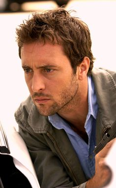 """After yesterday's post about the 'Bond' auditions back in 2005, I thought this article might be interesting, because it reveals how Alex first """"heard"""" that he did not get the part of James Bond. It...  #AlexOLoughlin"""