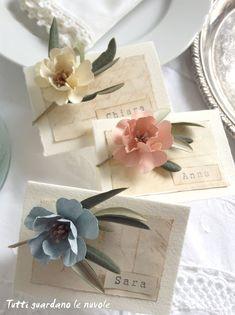 Wedding spring diy paper flowers 59 Ideas for 2019 Paper Flower Art, Paper Flowers Diy, Flower Crafts, Diy Paper, Paper Crafts, Wedding Flower Decorations, Wedding Flowers, Flower Arrangement Designs, Felt Crafts Diy