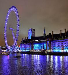 London – The Beautiful At Night ~ I always wanted to go there.  ...