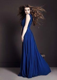shes a little creepy, but i like the dress! Feminine Style, Feminine Fashion, Blue Dresses, Formal Dresses, Sister Wedding, Fashion Beauty, Womens Fashion, Bikini Fashion, Modest Fashion