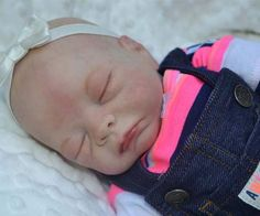 Newborn baby Molly By Crystal Graber - Reborns.com