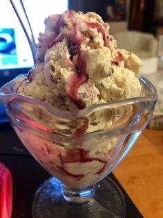 Παγωτάκι εύκολο !!! ~ ΜΑΓΕΙΡΙΚΗ ΚΑΙ ΣΥΝΤΑΓΕΣ 2 I Am Awesome, Ice Cream, Easy, Desserts, Recipes, Food, Greek Recipes, No Churn Ice Cream, Tailgate Desserts