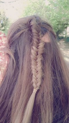Fishtail braid www.thebeautypoison.com #thebeautypoison