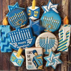 Looking for something yummy for your Hanukkah party? I have a few extra mixed dozens av Hannukah Cookies, Jewish Cookies, Christmas Sugar Cookies, Fun Cookies, Holiday Cookies, Frosted Cookies, Jewish Hanukkah, Feliz Hanukkah, Hanukkah Food