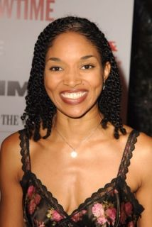 Lisa Arrindell Anderson omg her twist look fabulous...if only my twist would look like this.