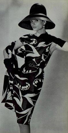 1963 Nina Ricci  repin Love the black and white vintage clothes.