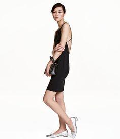 Ärmlös klänning | Svart | Dam | H&M SE