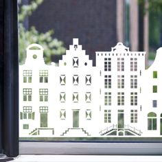 Raamfolie aan de Amsterdamse Grachten wit All Things Christmas, Christmas Crafts, Homemade Polymer Clay, Amsterdam, Cricut Explore Air, Paper Houses, Window Decals, Display Design, Paper Models