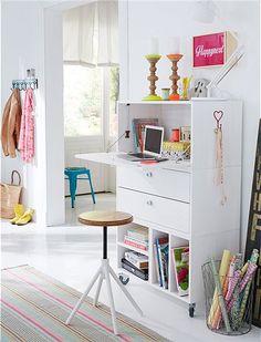 pin von uila engel auf furniture pinterest sekret rin schreibtische und landhausstil. Black Bedroom Furniture Sets. Home Design Ideas