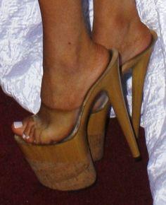 Courtney Stodden Green in Lettuce Bikini (Plus Her Towering Heels! Platform High Heels, Black High Heels, High Heels Stilettos, Platform Mules, Lace Up Heels, Sexy Heels, Mules Shoes, Heeled Mules, Women's Shoes